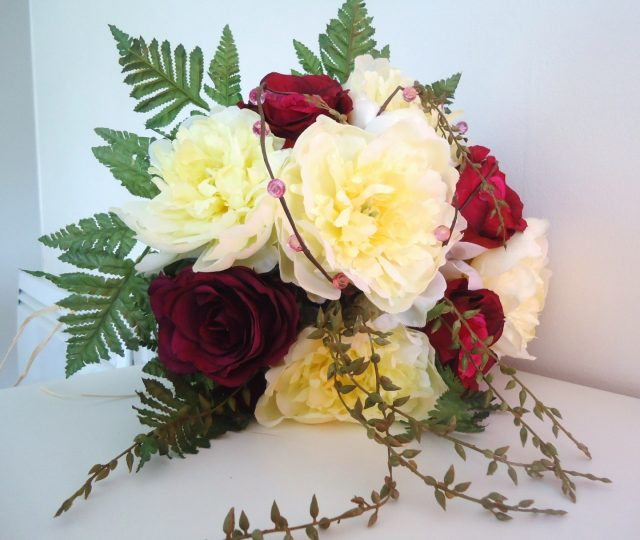 Bouquet de roses artificielles