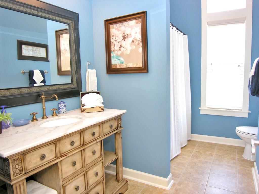 Salle de bain bleu