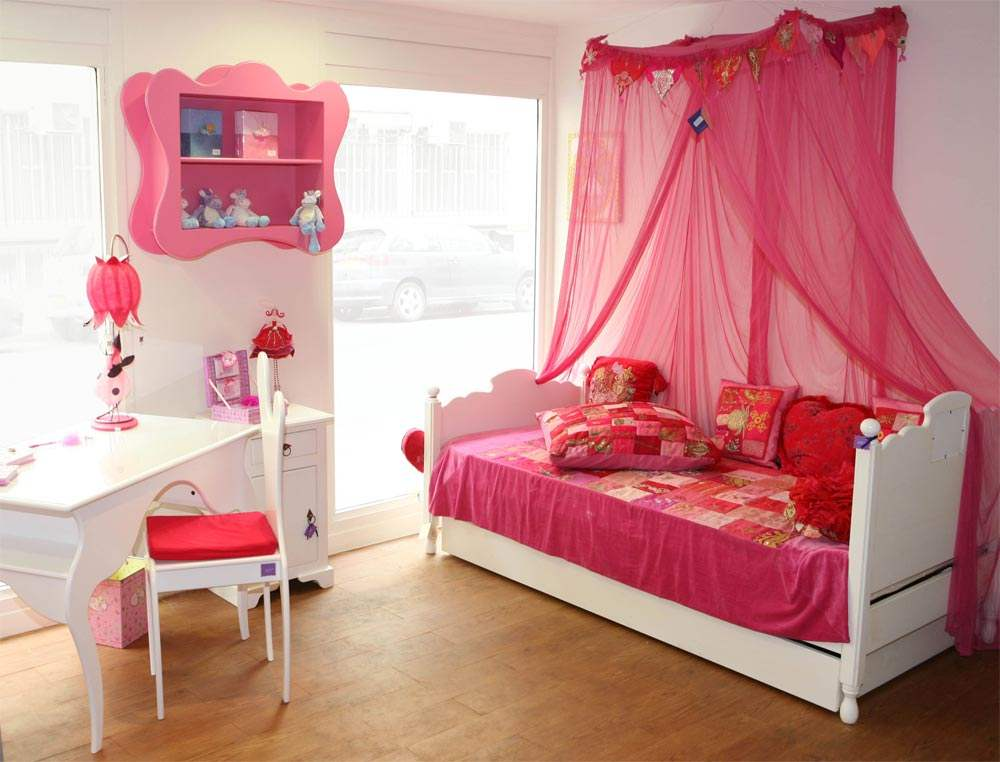 chambre enfant barbie. Black Bedroom Furniture Sets. Home Design Ideas
