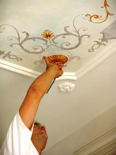 Peinture décorative de plafond