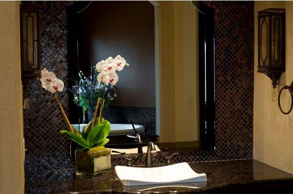 orchidée-blanche-salle-bains-style
