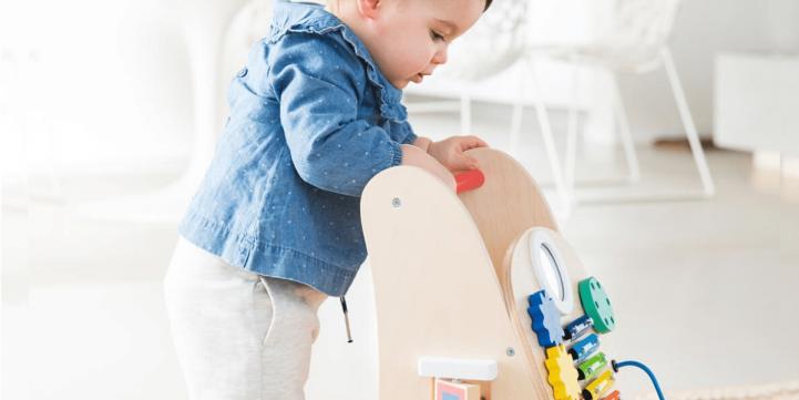 Avoir moins de jouets et plus de qualité